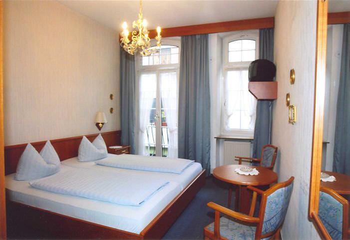 Koblenz: Hotel-Weinstube Kornpforte