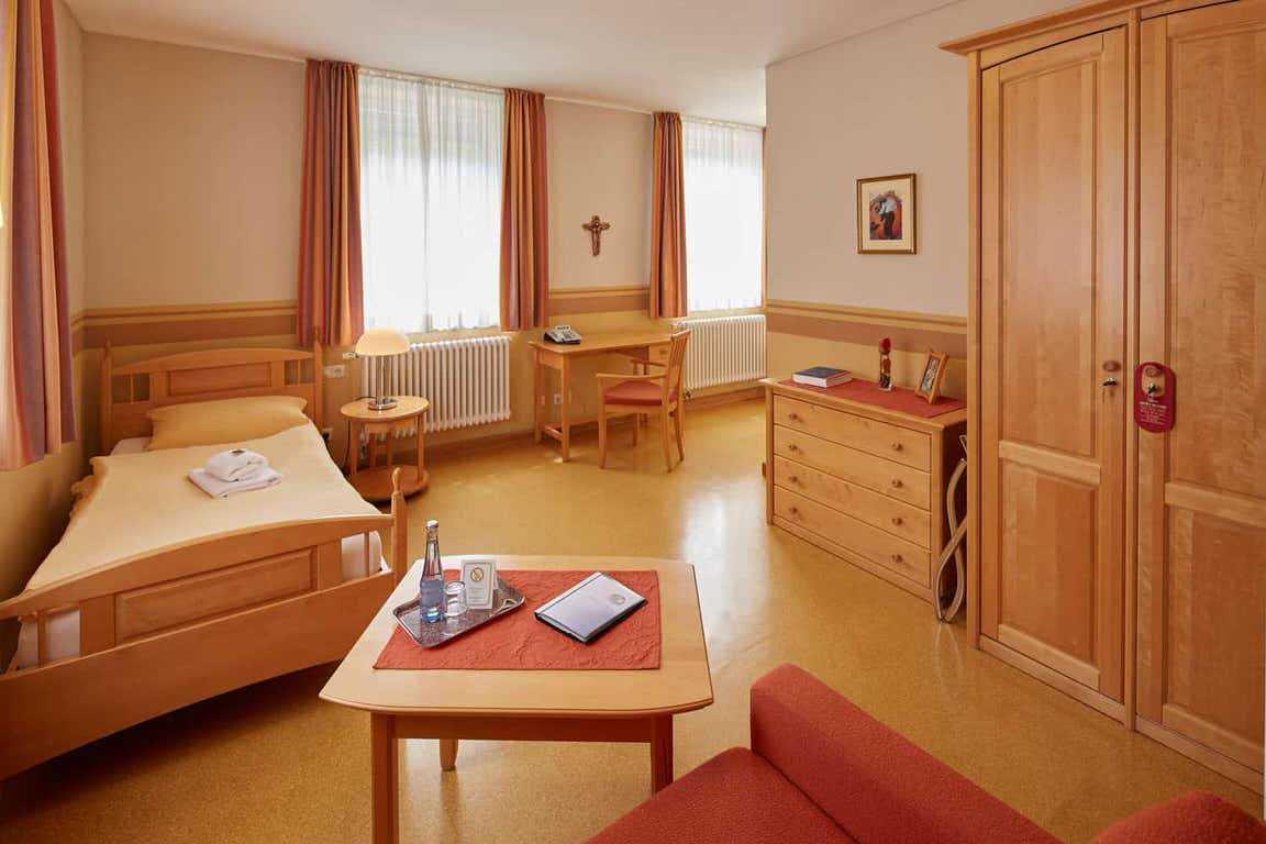 Priester- und Gästehaus Marienau, Monteurzimmer in Vallendar bei Koblenz