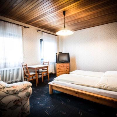 Höhr-Grenzhausen: Hotel Nassauer Hof & Restaurant Lucania