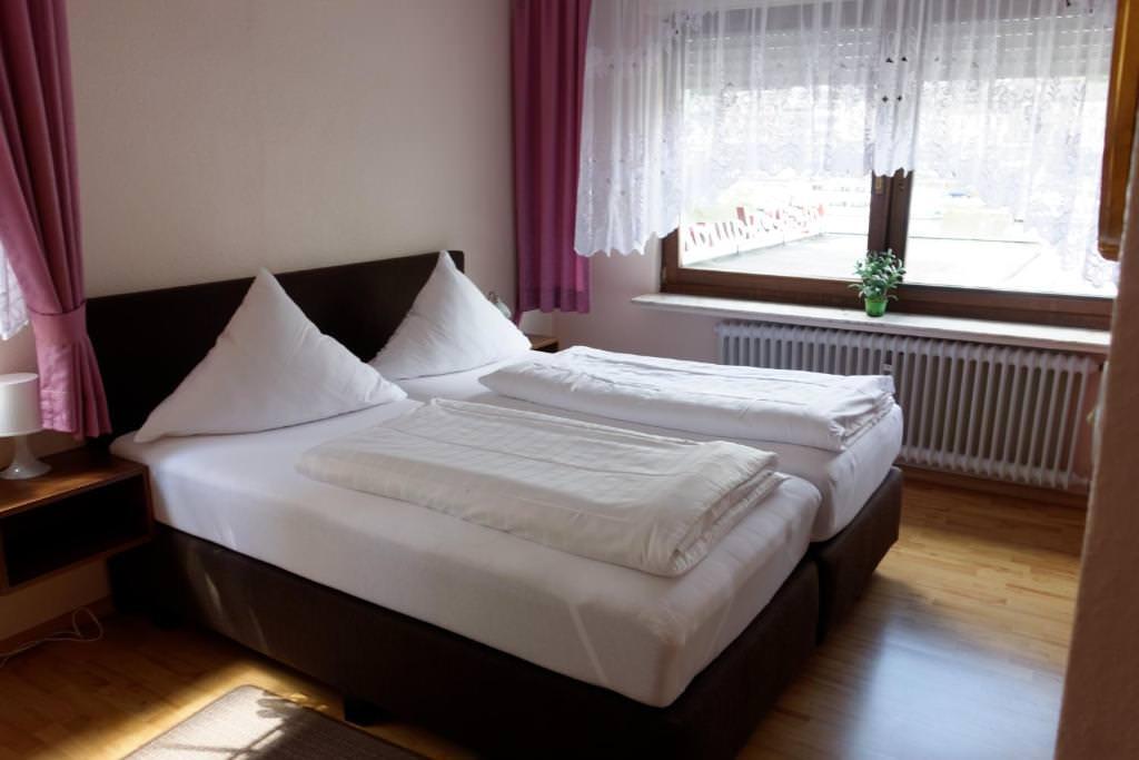 Haus Sonnenschein, Pension in Ernst bei Senheim