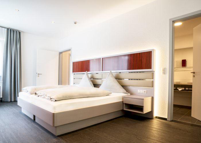 Meschede: Hennedamm Hotel