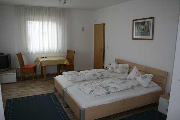 Weiterstadt-Gräfenhausen: Hotel Gästehaus Roth