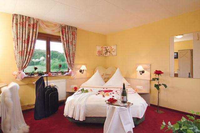 Höchst-Annelsbach: Land-gut-Hotel Dornröschen