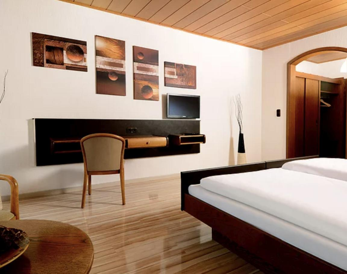 Breuberg-Sandbach: Hotel Es Lämmche