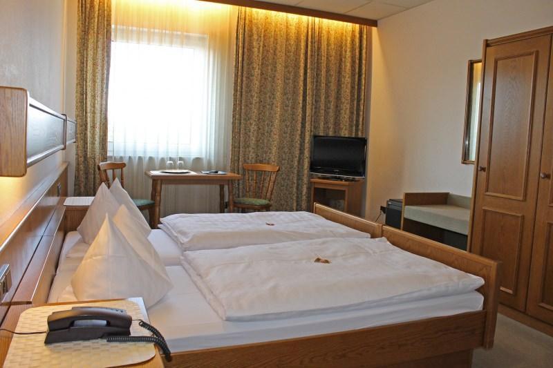 Eppertshausen: Hotel Garni Am Rotkäppchenwald