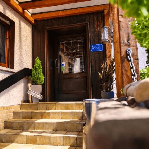 & Restaurant Zum Wiesengrund, Pension in Wiesbaden bei Wiesbaden
