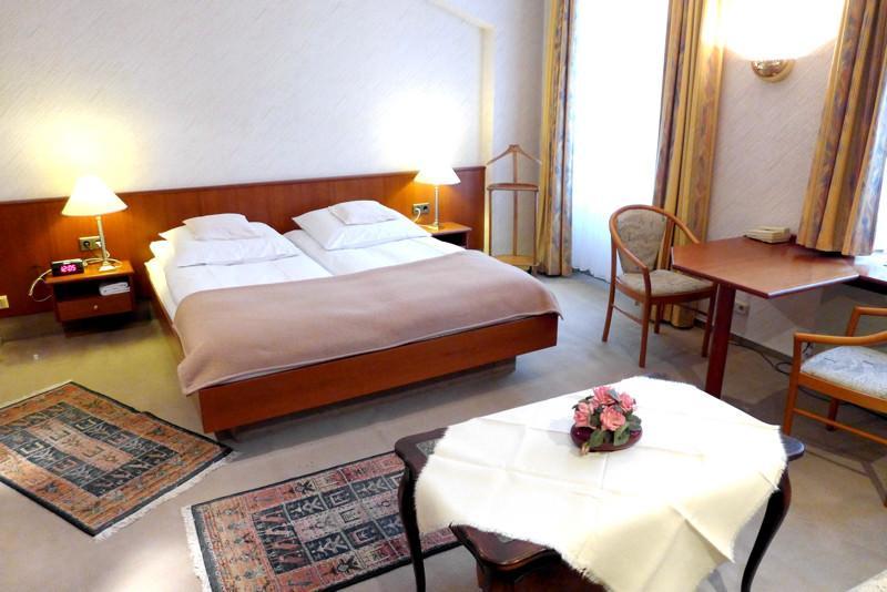 Wiesbaden Pensionen Gastezimmer Unterkunfte Ab 23