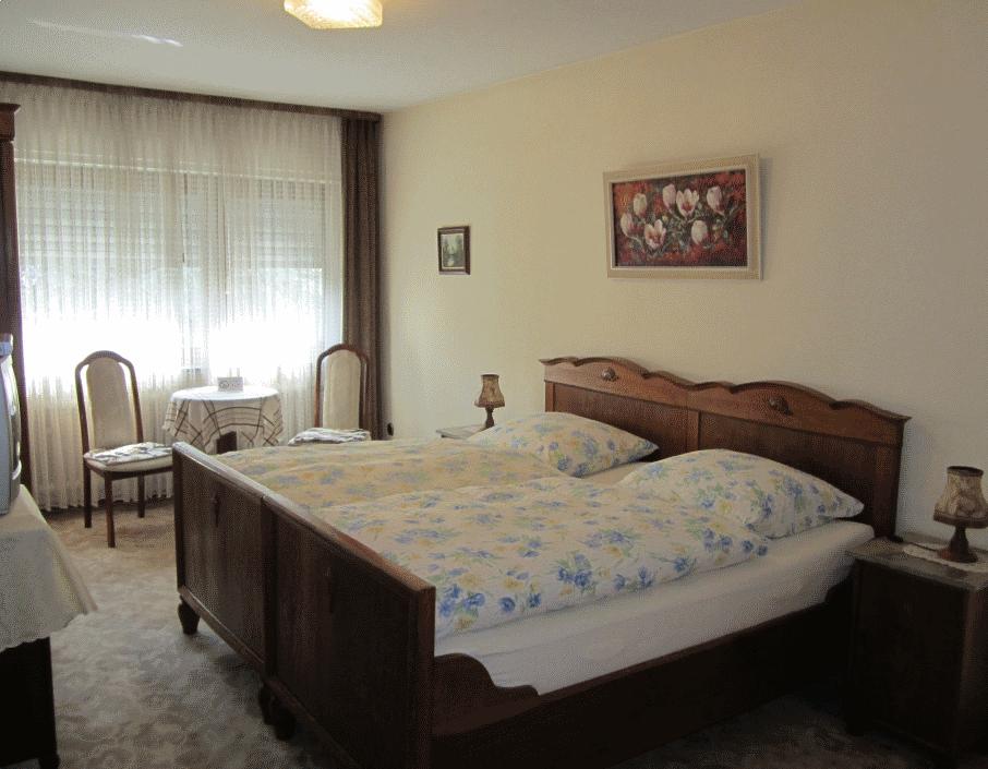 Kelsterbach: Hotel Garni Zum Schwarzen Bock
