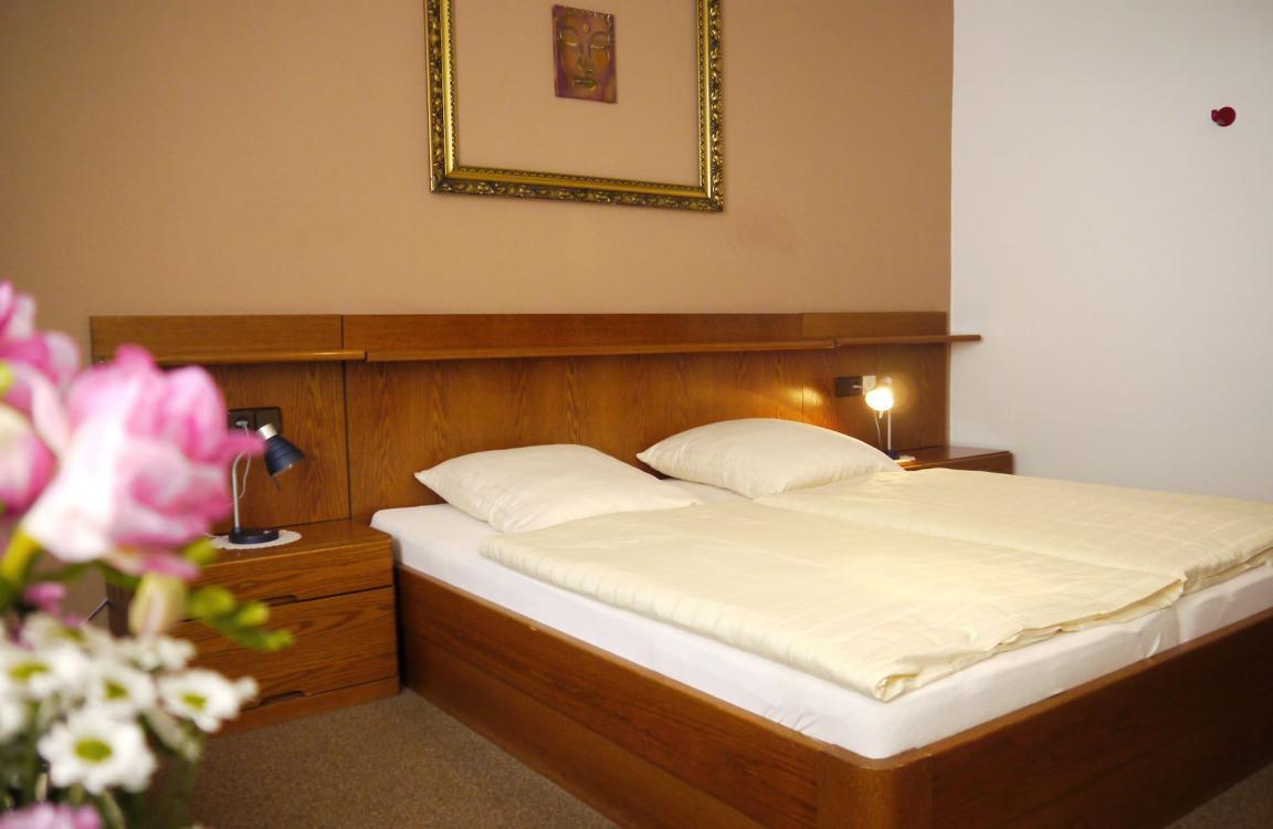Hotel Dorfkrug in Mandelbachtal-Heckendalheim