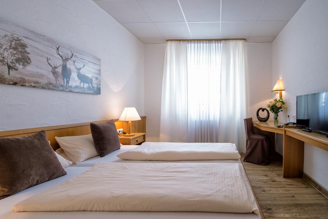 Viernheim: Hotel Donnici im Schwyzerhüsli