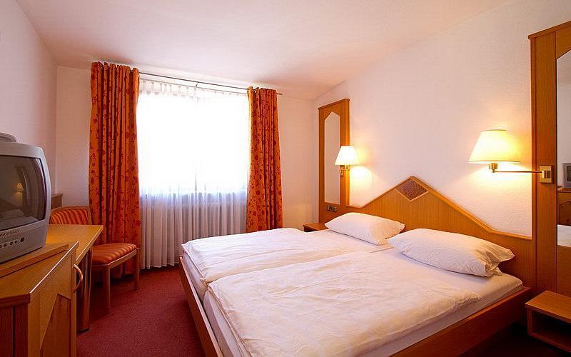Dossenheim: Hotel Goldener Hirsch