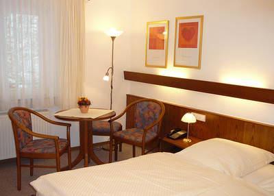 Hotel Garni Gästehaus Hirsch, 71686 Remseck