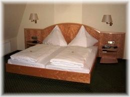 Obrigheim: Hotel Wilder Mann
