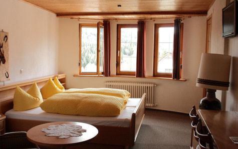 Bad Wildbad-Sprollenhaus: Hotel Gasthof Hirsch