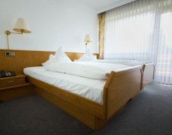 Schömberg-Langenbrand: Hotel Restaurant Ehrich