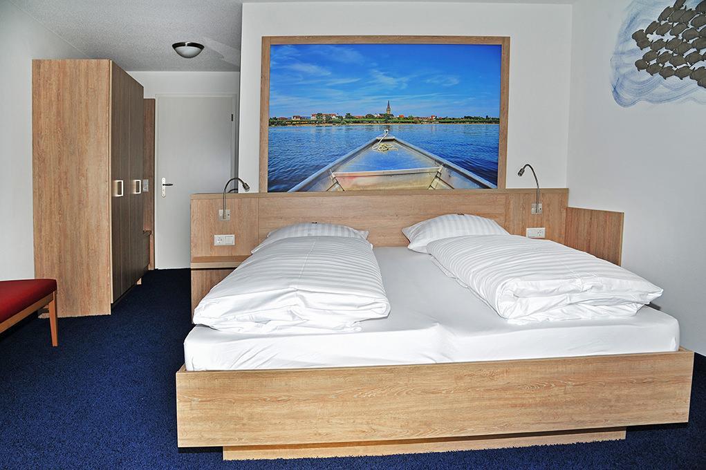 Schiff mit Gästehaus Sabrina, Pension in Moos bei Allensbach