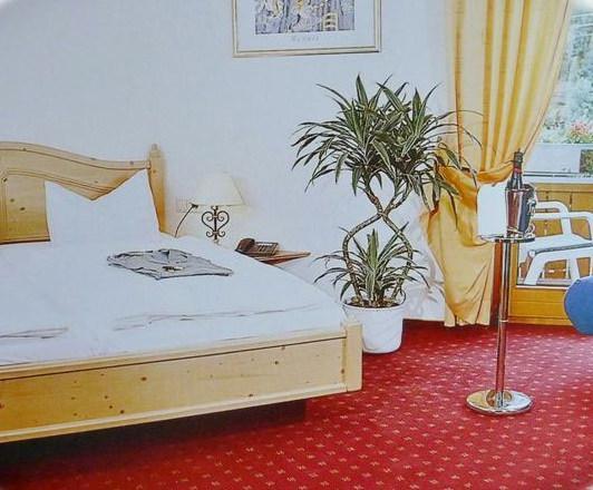 Elzach-Oberprechtal: Hotel Landgasthof Rössle