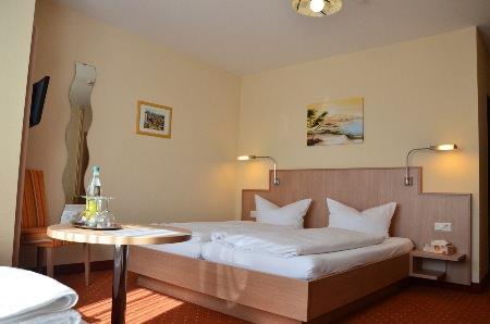 Neuenburg am Rhein: Hotel Garni Touristik