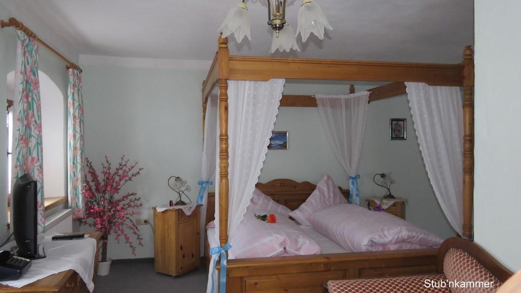 Hotel & Pension Dreilindenhof, Hotel in Aschau im Chiemgau bei Gars