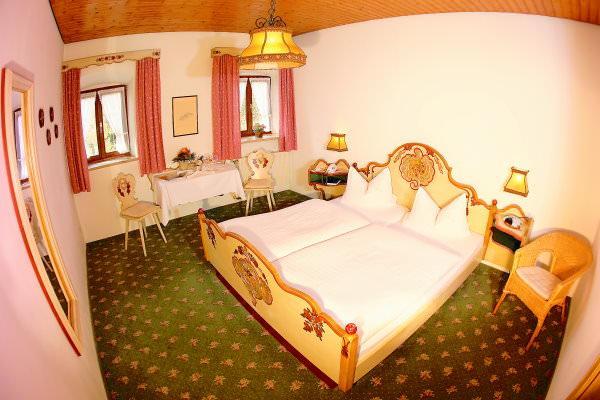 Hotel & Gasthof Alter Wirt, Hotel in Bernau bei Schnaitsee