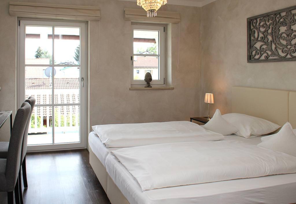 Hotel zur Sonne am Chiemsee, Hotel in Rimsting bei Eiselfing