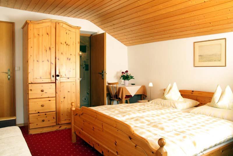 Gästehaus Pletzenauer, Monteurzimmer in Gstadt bei Babensham