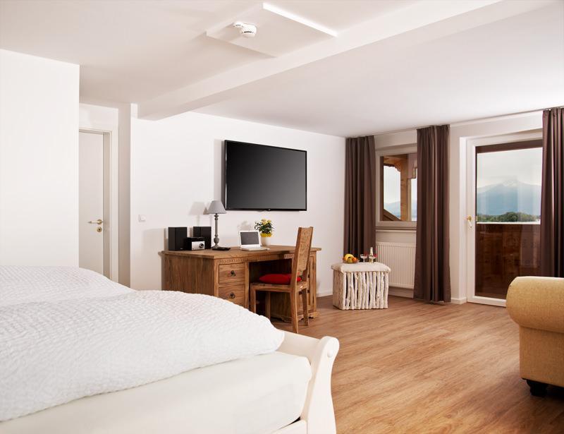 Hotel ChiemseePanorama, Hotel in Gstadt bei Eiselfing