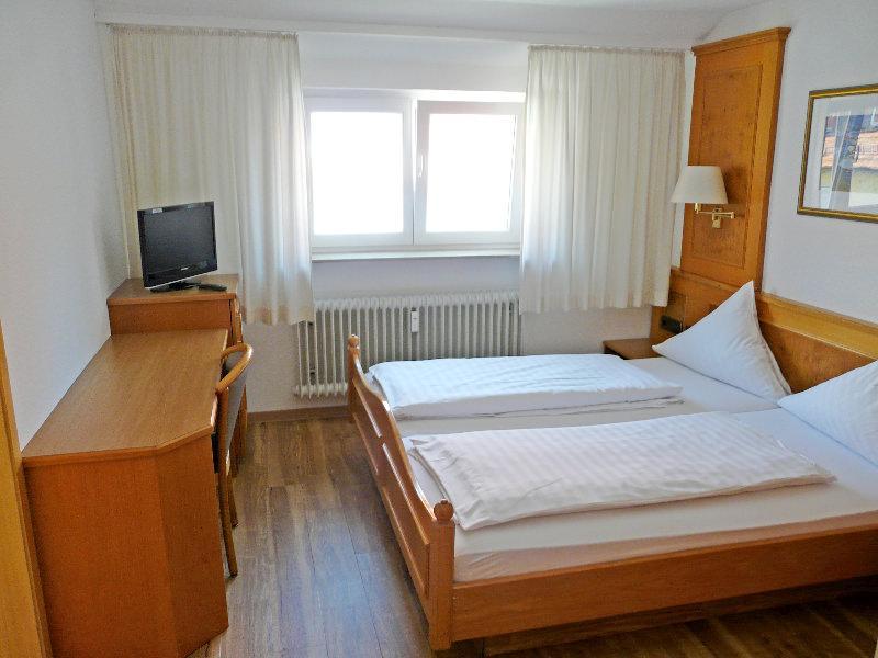 Hotel & Restaurant Waldhorn in Weingarten