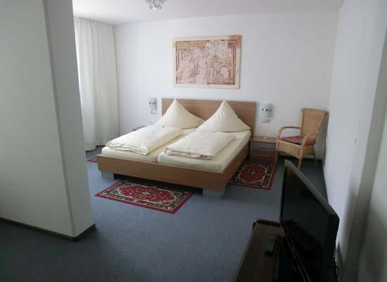 Donauhotel, Pension in Neu-Ulm bei Lautern