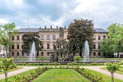 Tourist-Information - Erlanger Tourismus und Marketing Verein e.V., Pension in Erlangen