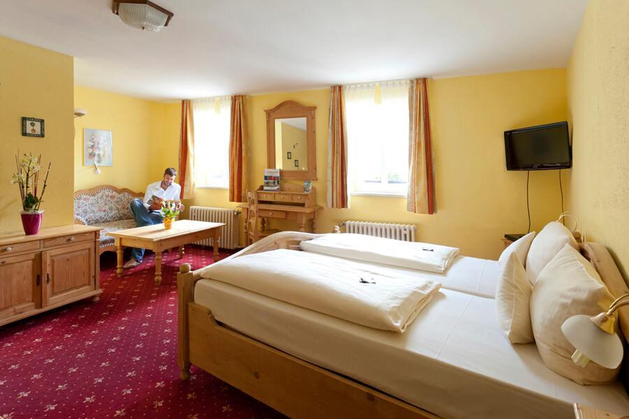 Wiesenttal Fränk. Schweiz-Muggendorf: Akzent Hotel Goldner Stern**** + Sternla ****