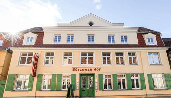 Gasthof  Bützower Hof, Pension in Bützow bei Flughafen Rostock-Laage