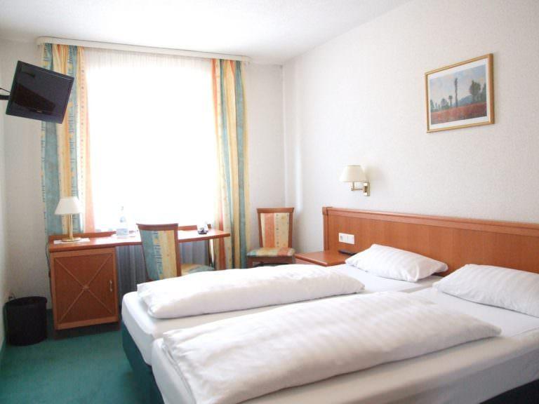 Regensburg: Hotel & Restaurant Dechbettener Hof