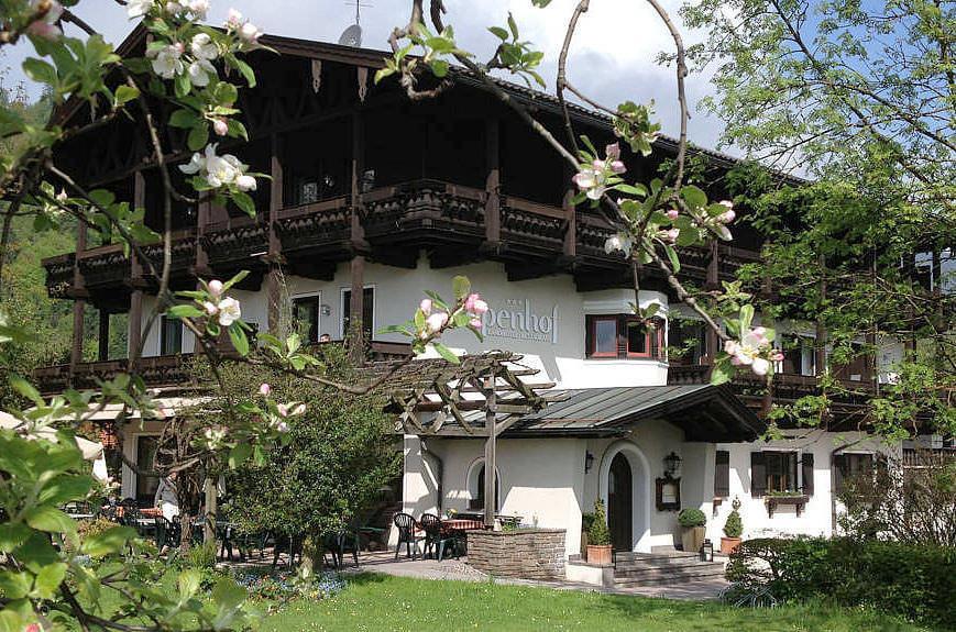 Landhotel & Restaurant Alpenhof***