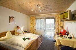 Landhotel Weingarten, Pension in Haibach