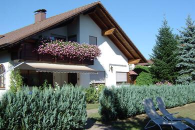 Pension & Landhaus Monika, Monteurzimmer in Meckenbeuren bei Kressbronn