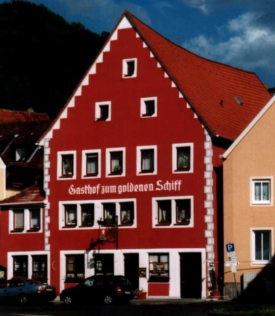 Marktbreit: Hotel Garni Zum Goldenen Schiff