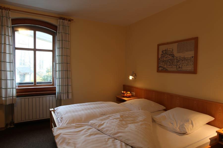 Gasthof Zum weißen Roß Metzgerei, Pension in Bergrheinfeld bei Gädheim