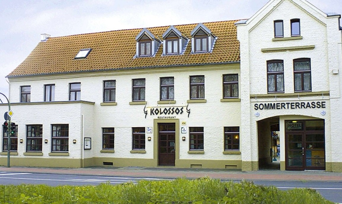 Kolossos Düsseldorf - Neuss, Pension in Neuss-Gnadental