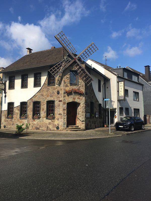 Oberhausen-Alstaden-West: Hotel Zur Mühle