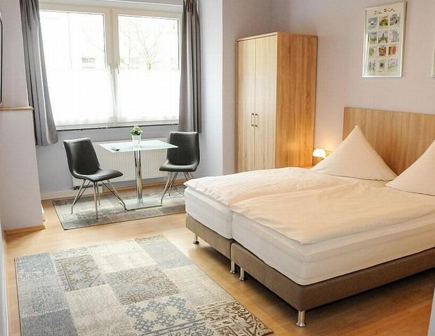 Fulda: Hotel Wenzel - Bed & Breakfast