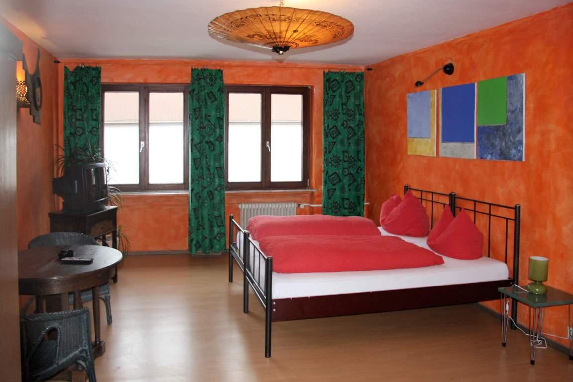 Gästehaus Gästezimmer & Hostal el bocado, Monteurzimmer in Friedrichshafen bei Kressbronn