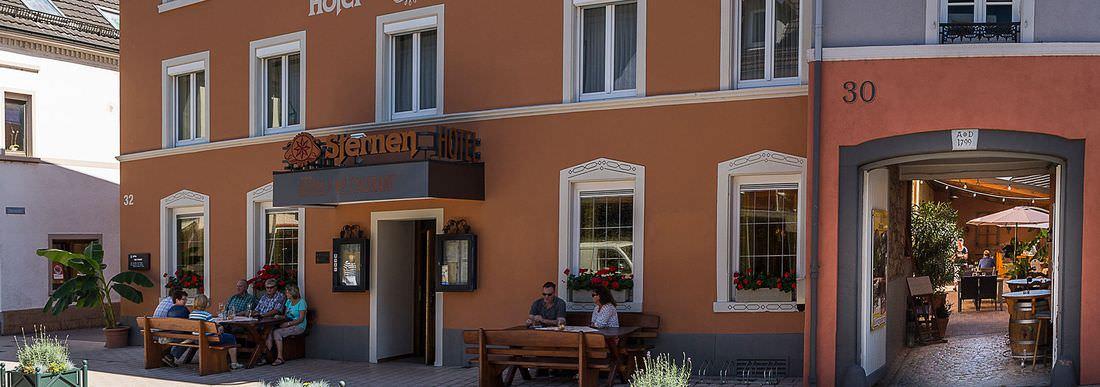 Sternen, Pension in Bühl bei Flughafen Karlsruhe / Baden-Baden