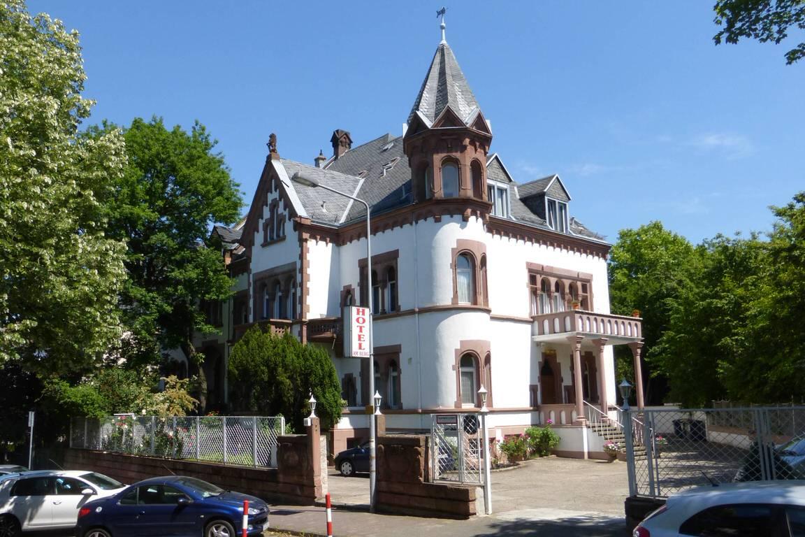 Hotel Garni Am Berg, Hotel in Frankfurt am Main-Sachsenhausen bei Offenbach am Main
