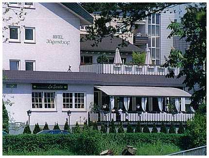 & Ristorante Jägerhof, Pension in Rödermark
