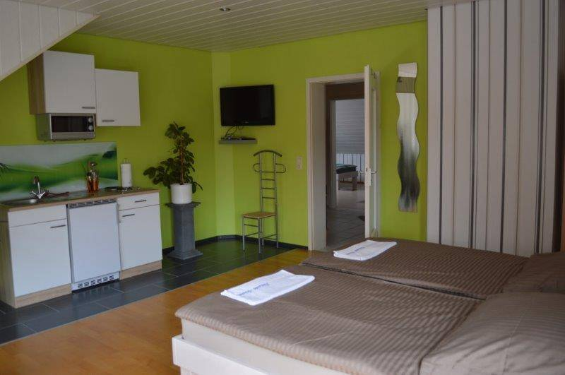 Monteurzimmer bei Pension Ariane in Bruchsal-Untergrombach