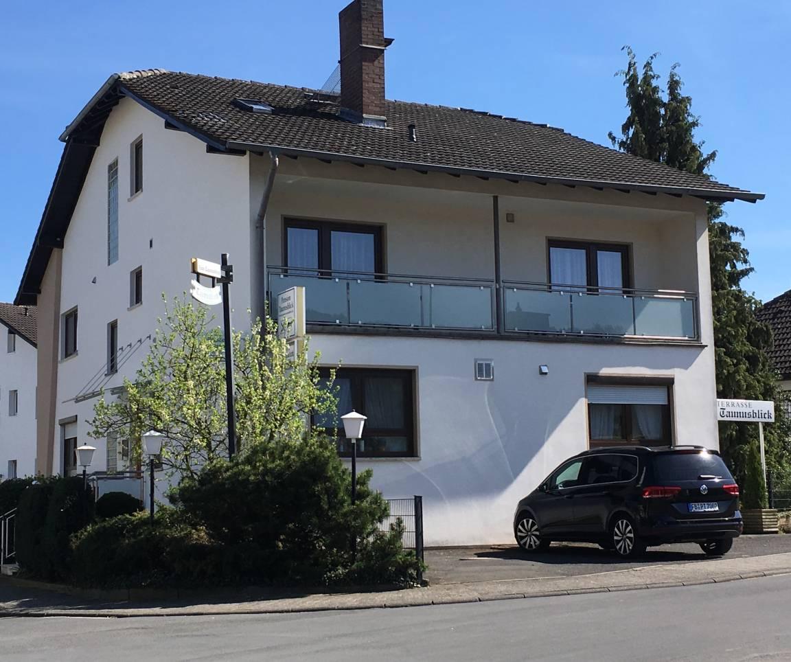 pension taunusblick ferienwohnung und apartment rosbach. Black Bedroom Furniture Sets. Home Design Ideas