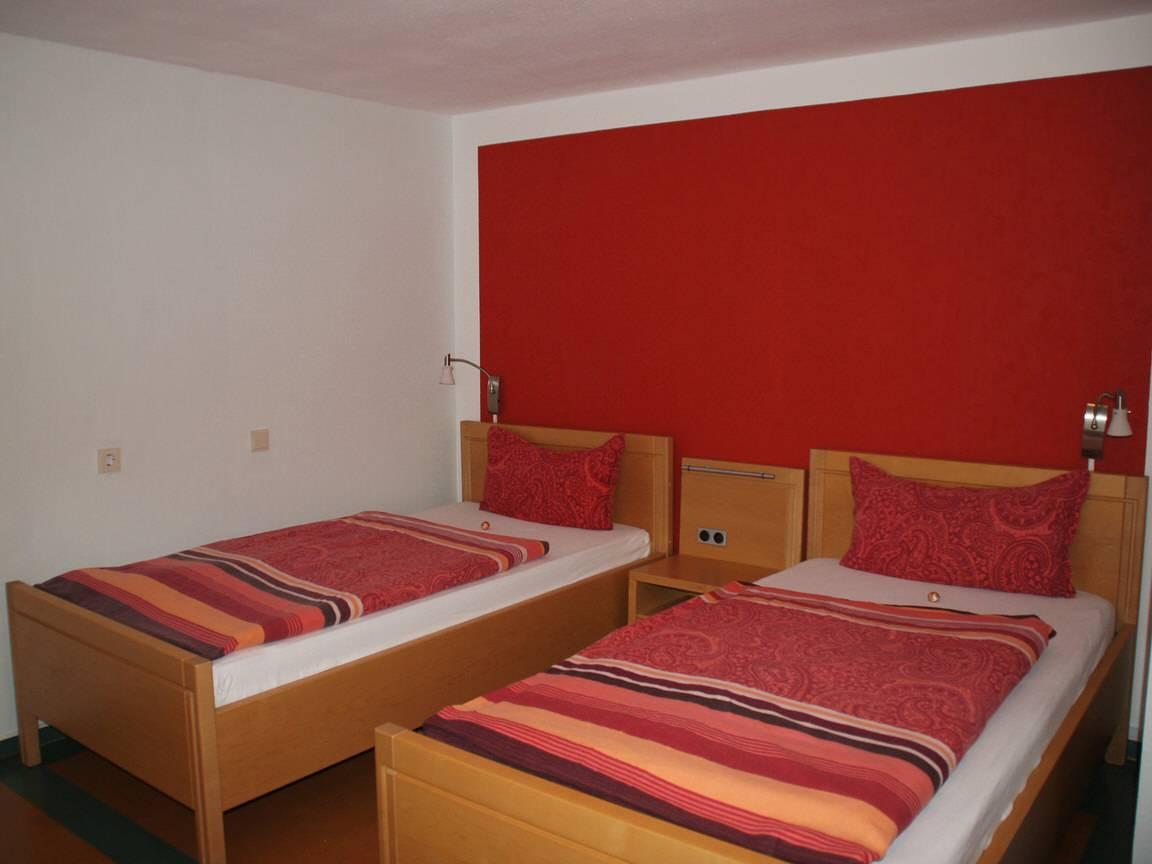 Bibertal: Apollonia´s Gästehaus - Ferienwohnung & Zimmer