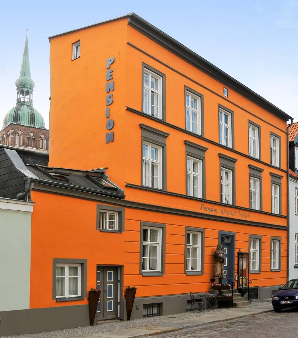Gästehaus Pension Schönblick: Gästehaus Pension Altstadt Mönch (Stralsund