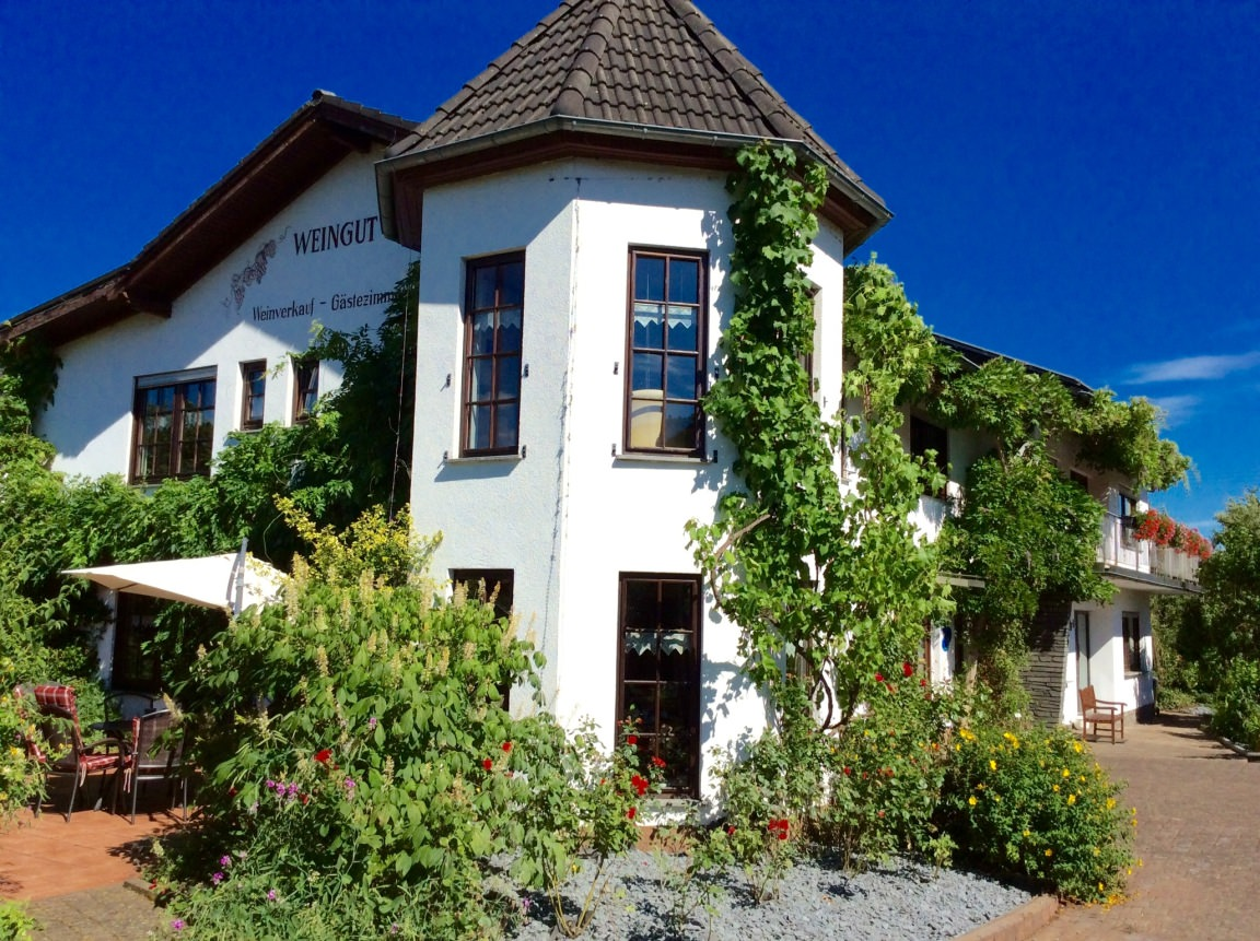 Gästehaus Weingut Raevenhof, Monteurzimmer in Ayl bei Trier